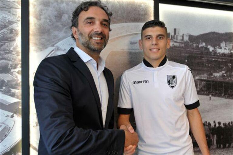 9e2ece33ec Artur Abreu chega do Luxemburgo para a equipa B do Vitória