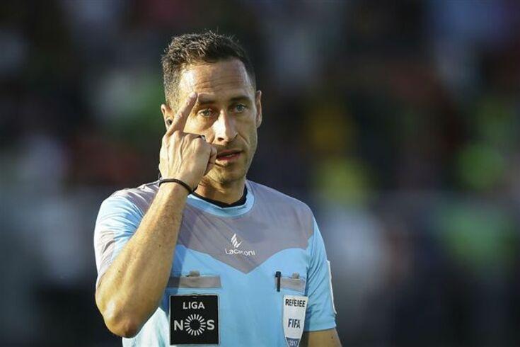 Artur Soares Dias nomeado videoárbitro da final entre Alemanha e Chile