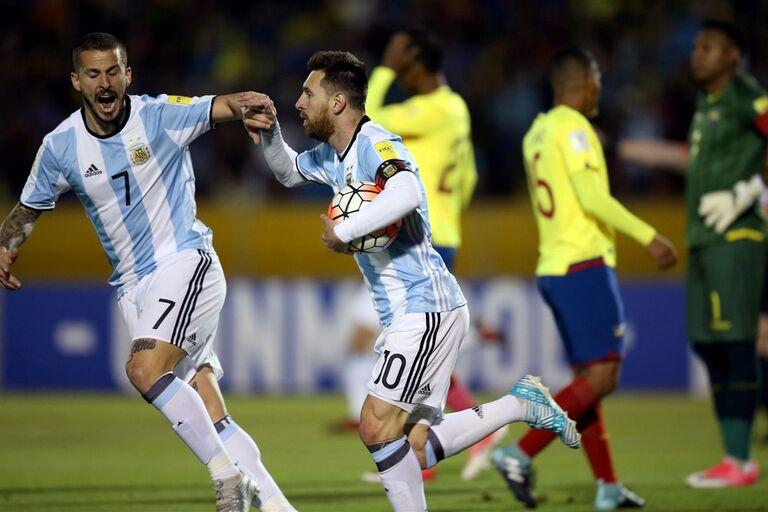 Hat trick de La Pulga garante triunfo no Equador e qualificação. O Uruguai  também está qualificado 0d204d022ee2d