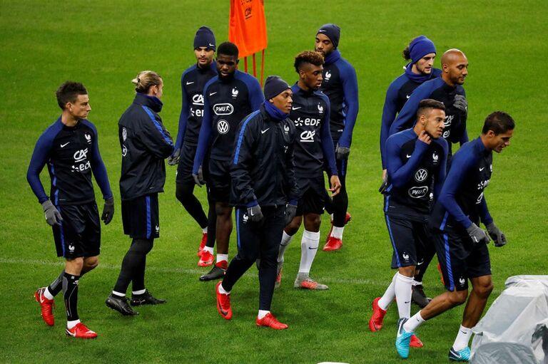 Seleção francesa não esquece atentados de 2015 0867baf2d10a2