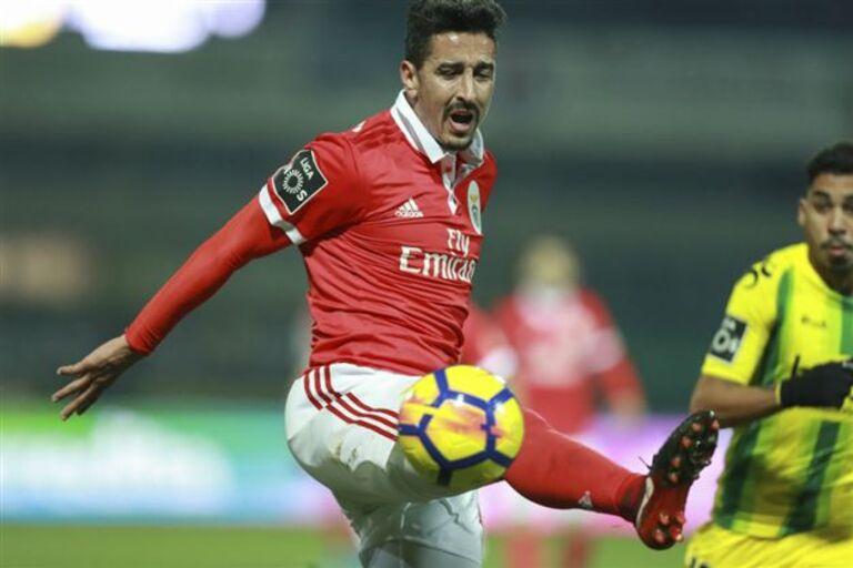 Leicester viu André Almeida e o interesse é já para janeiro