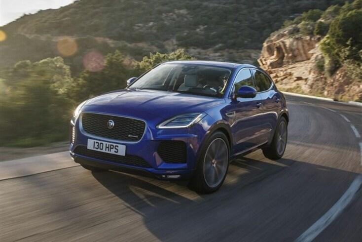 """Jaguar E-Pace """"aprende"""" os hábitos do condutor e recebe novo motor de 200 CV"""
