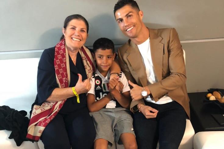 Cristiano Ronaldo com a mãe, Dolores Aveiro, e o filho, Cristianinho
