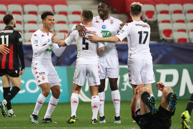Mónaco celebrou a passagem na Taça de França ao bater o Nice