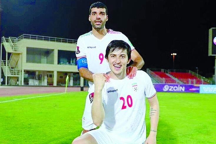 Taremi, que acabou a capitão, celebrou o triunfo com Sardar Azmoun, do Zenit