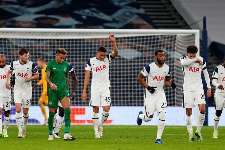 Carlos Vinícius em foco na noite europeia do Tottenham