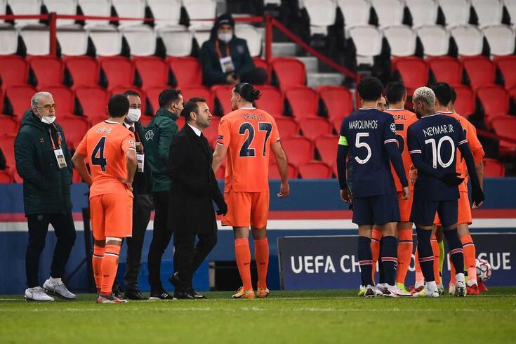 PSG-Basaksehir interrompido com adjunto da equipa turca a acusar quarto árbitro de racismo