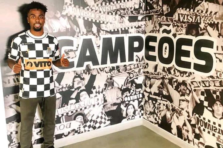 Oficial: Angel Gomes é reforço do Boavista