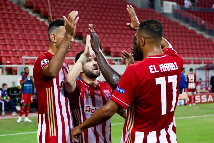 Valbuena e companhia festejam o golo de Hassan