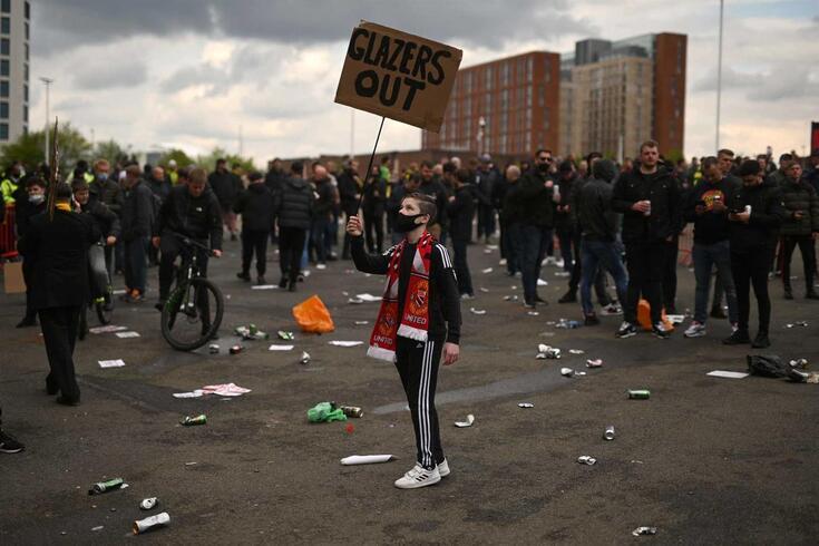 Adeptos do Manchester United envolveram-se em confrontos com a polícia
