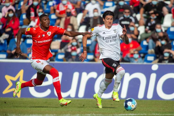 Darwin em destaque no Santa Clara-Benfica