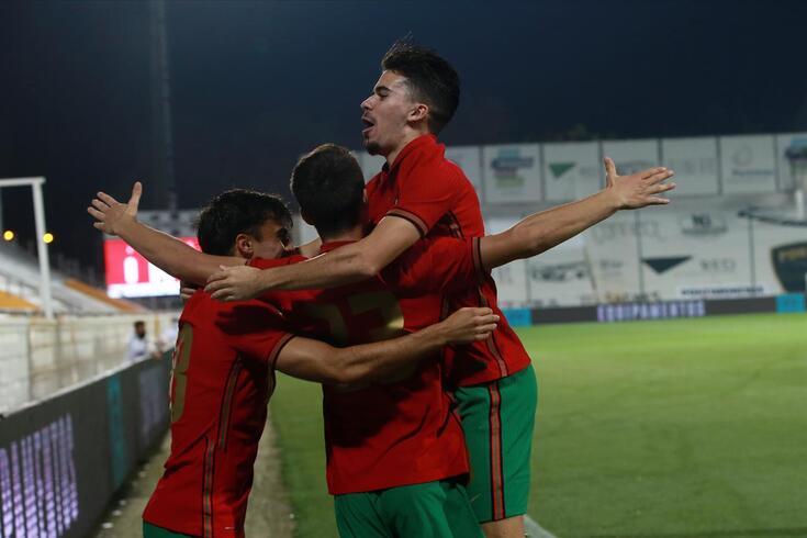 Fábio Vieira festeja um dos dos golos aos Países Baixos