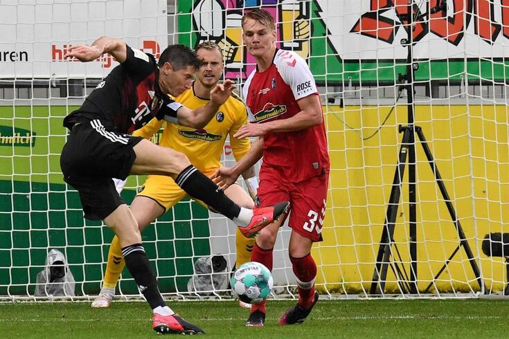 Lewandowski vai tentar bater recorde goleador de Gerd Muller na Liga alemã