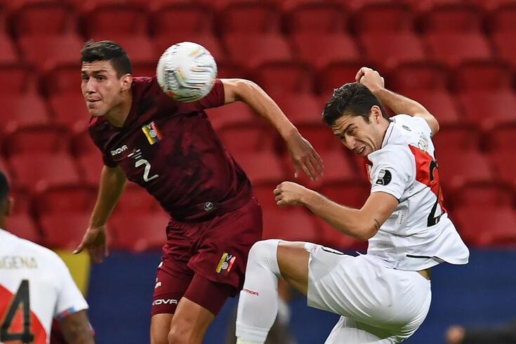 Ferraresi no jogo da Venezuela com o Peru para a Copa América, a 27 de junho