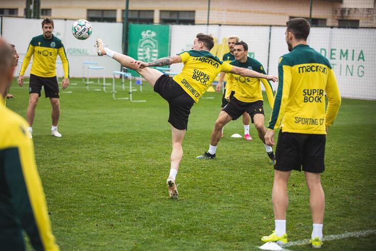 Sporting cumpriu mais um treino de preparação para o jogo com o Nacional