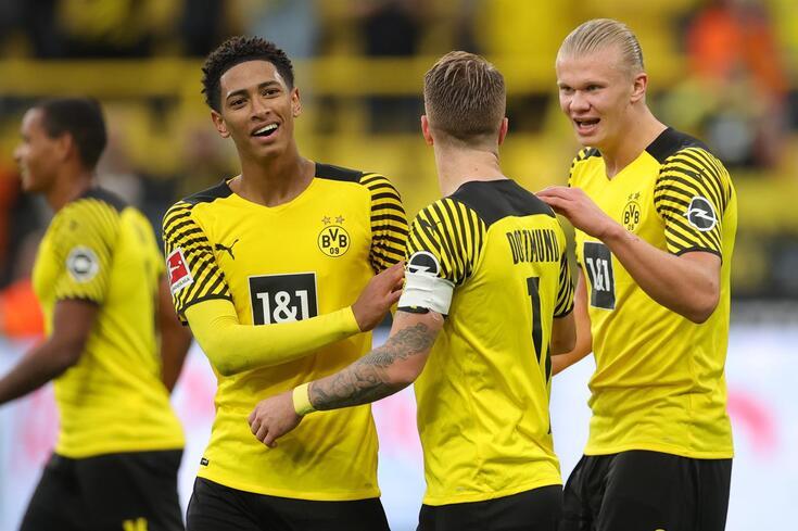 Haaland, à direita, é a principal arma do Dortmund