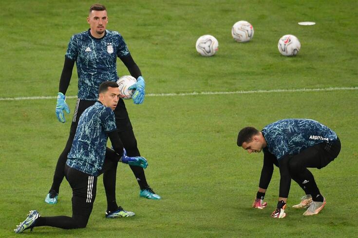 Marchesín com Franco Armani e Emiliano Martínez, outros guarda-redes da seleção argentina