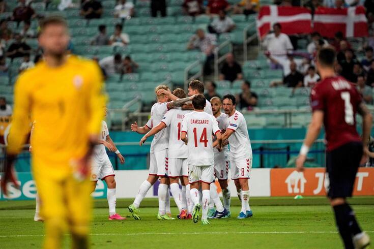 Dinamarca garantiu a passagem às meias-finais do Europeu