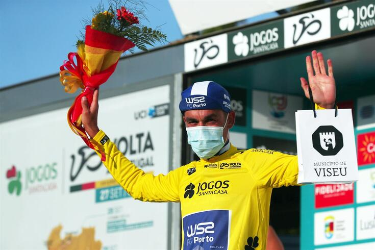 Amaro Antunes lidera a Volta a Portugal