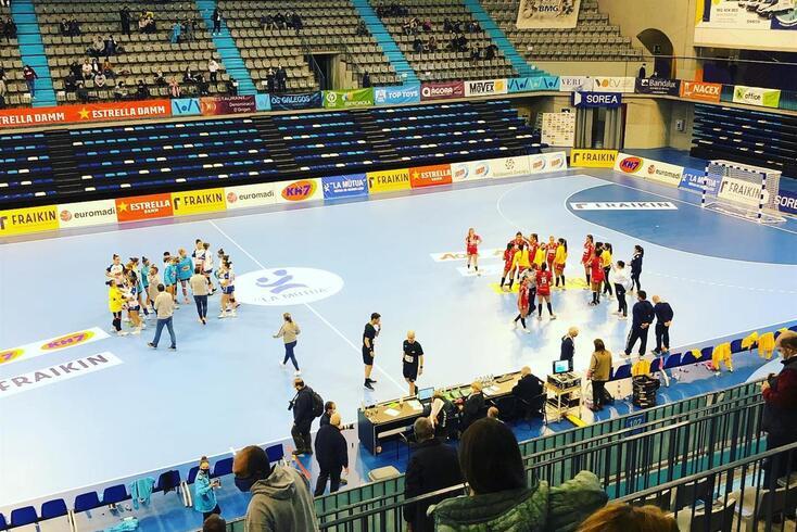 Equipa feminina do Alavarium perde na segunda ronda da Taça Europeia