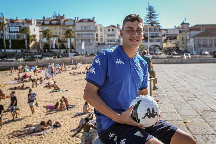 Oficial: depois de FC Porto e Moreirense, Ferraresi vai jogar no Estoril