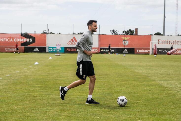 Samaris chegou ao Benfica em 2014 mas ligação está perto de chegar ao fim