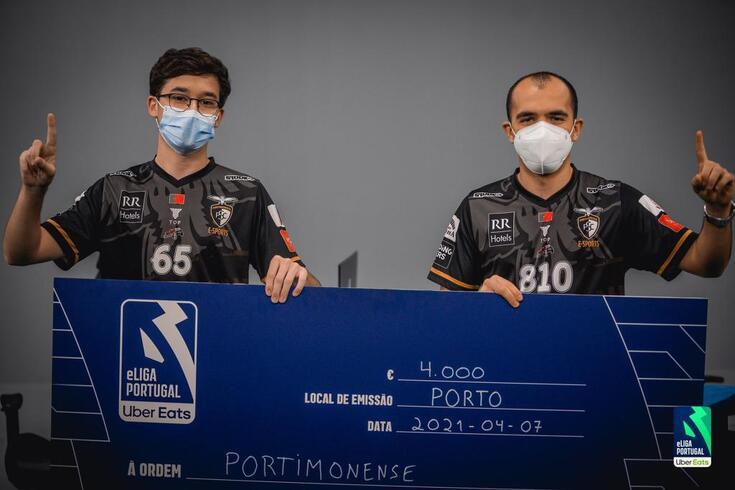 Dupla do Portimonense levou um cheque de quatro mil euros para casa