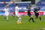 O golo de André Silva que abriu o marcador no ArminiaBielefeld-Eintracht Frankfurt