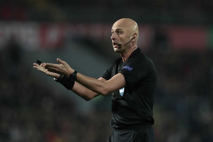 Sergei Karasev, árbitro do FC Porto-Liverpool