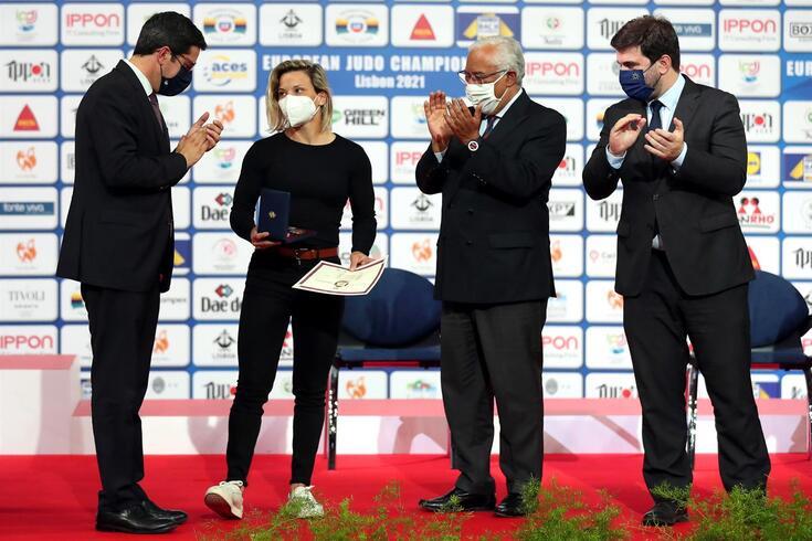 """António Costa distingue Telma Monteiro: """"O teu maior mérito é o que está no coração de todos os portugueses"""""""