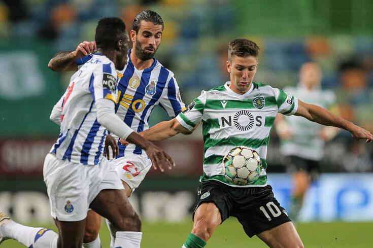 Luciano Vietto em ação frente ao FC Porto