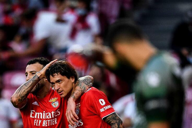 Um a um: Otamendi e Darwin carregaram o líder Benfica