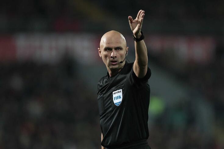 Sergei Karasev vai apitar o FC Porto-Liverpool
