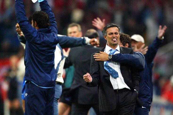 José Mourinho conquistou a Champions pelo FC Porto em 2003/04