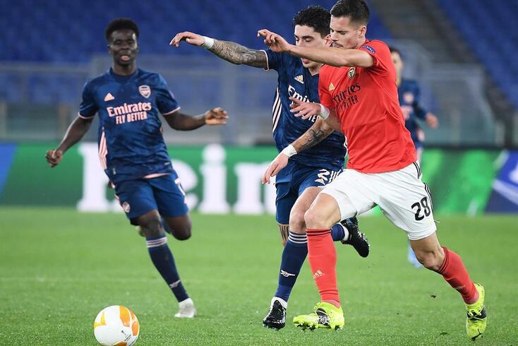 Benfica empatou 1-1 com o Arsenal na casa emprestada de Roma