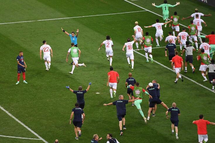 """Suíça eliminou a França nas grandes penalidades, nos """"oitavos"""" do Euro'2020"""