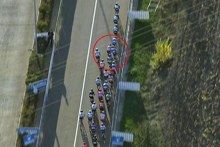 Vuelta: Bennett perde vitória por empurrão desnecessário