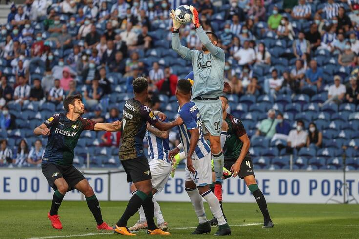 Diogo Costa em ação na baliza do FC Porto