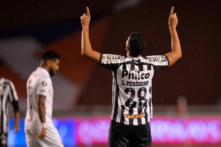 Lucas Veríssimo, central que o Benfica tenta contratar