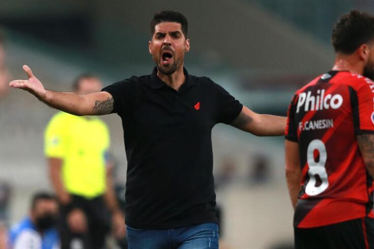 António Oliveira, treinador do Athletico Paranaense