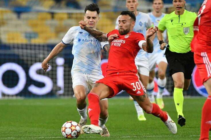 Otamendi no Dínamo de Kiev-Benfica