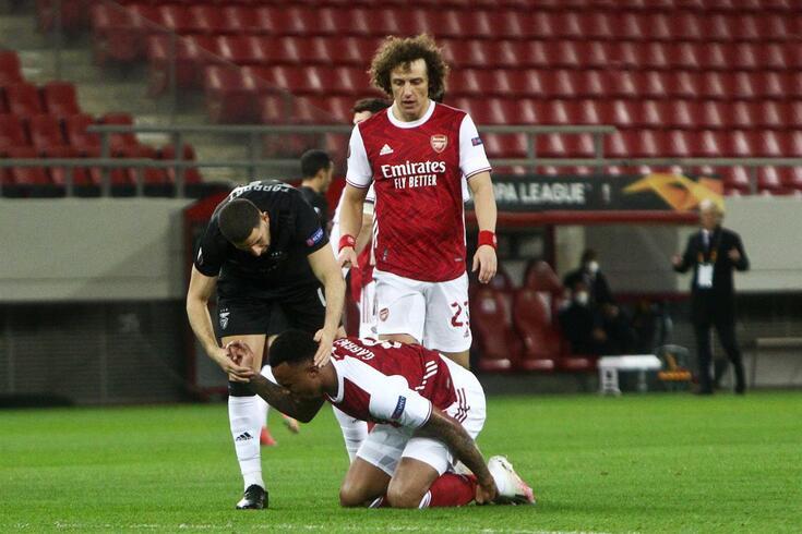 Continuam a associar David Luiz ao Benfica