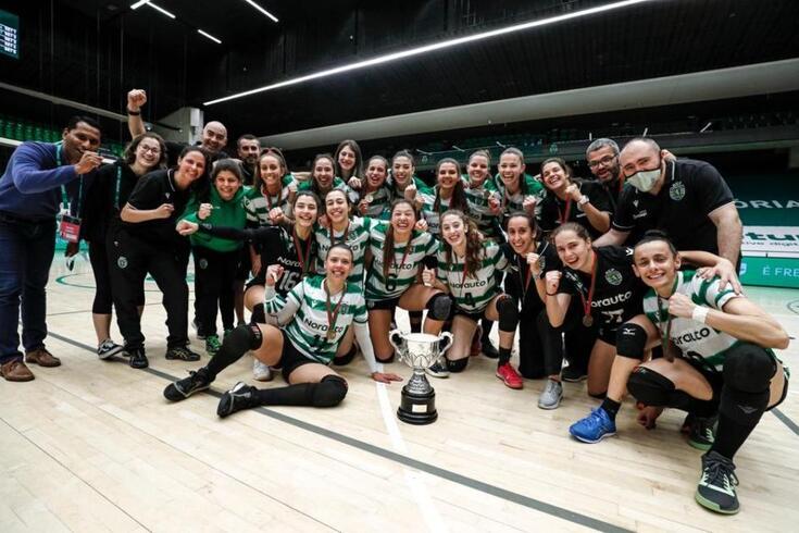 Sporting ergueu a Taça Federação