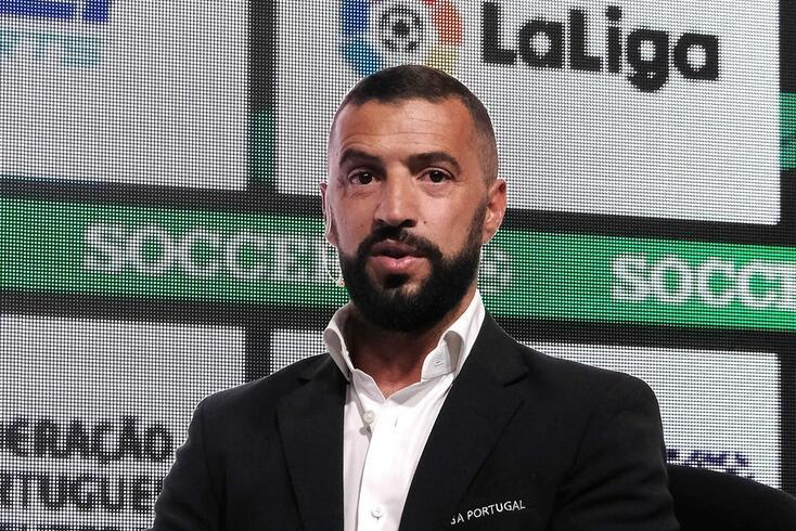 Simão Sabrosa já trabalha no Benfica
