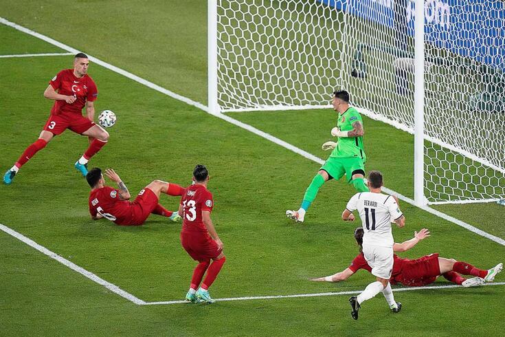 Demiral marcou o primeiro golo do Euro'2020, na própria baliza