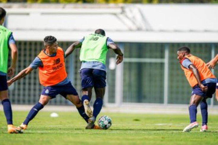 Evanilson em ação no treino do FC Porto