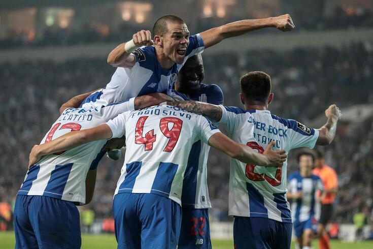 Tribunal O JOGO: Soares sofreu falta para penálti no FC Porto-Famalicão?