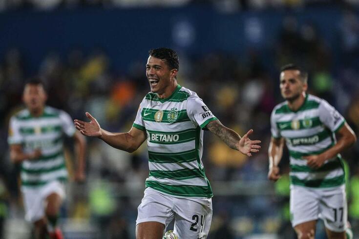 Pedro Porro em destaque no Sporting