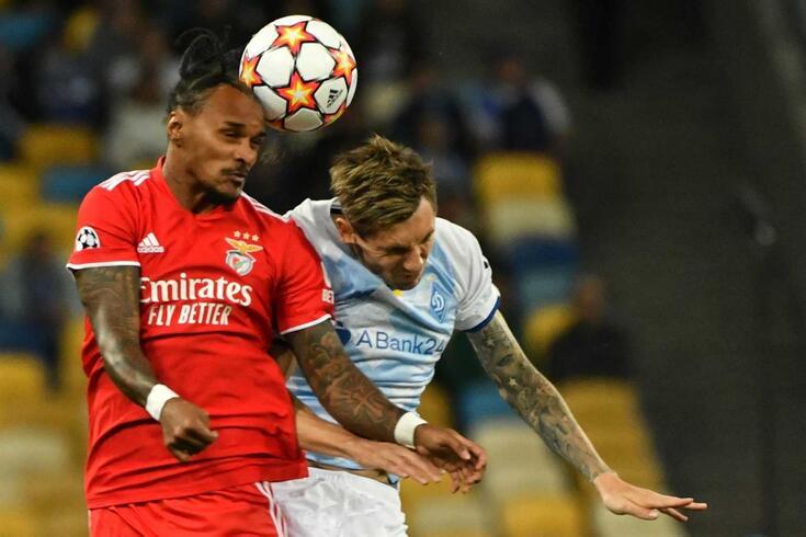 Lázaro no Dínamo de Kiev-Benfica