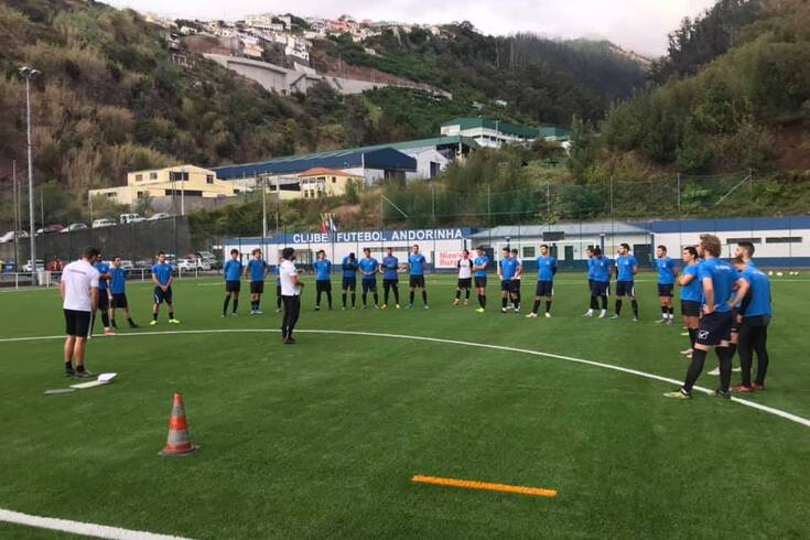 Equipa do Andorinha já estreou o novo campo sintético do clube